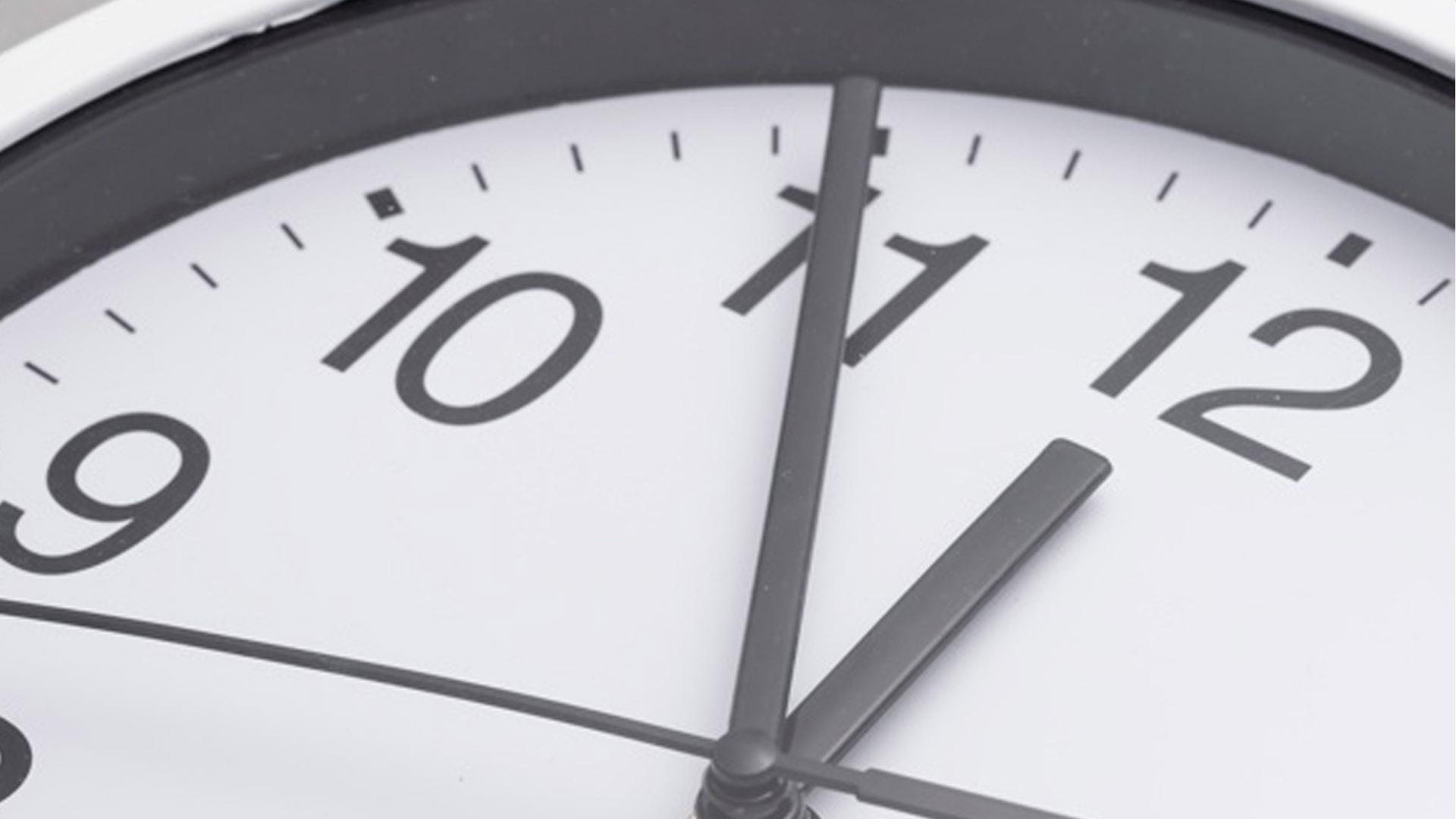 ¿Cuánto tiempo se debe llevar una mascarilla quirúrgica?